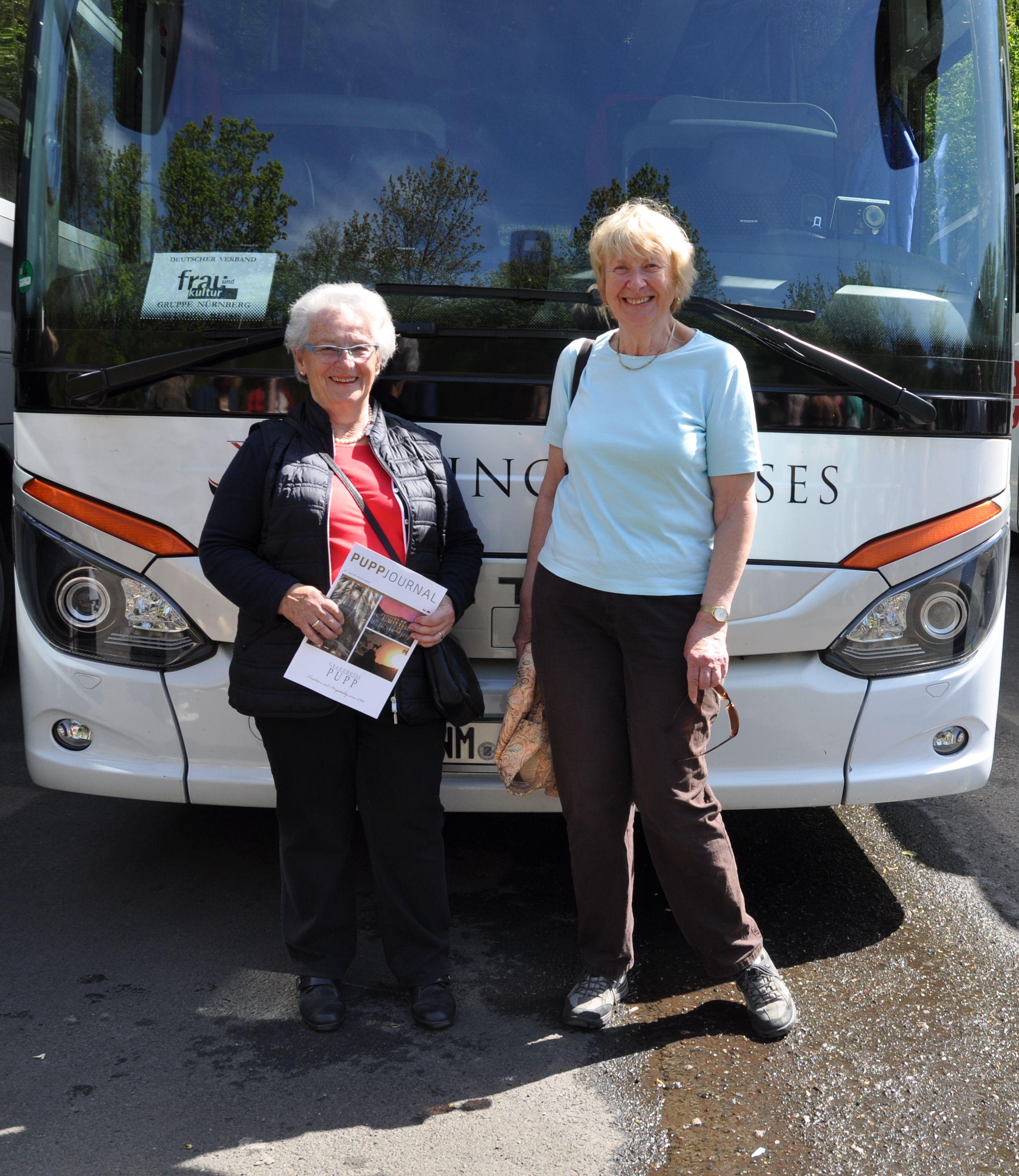 Bus mit Reiseleitung.jpg